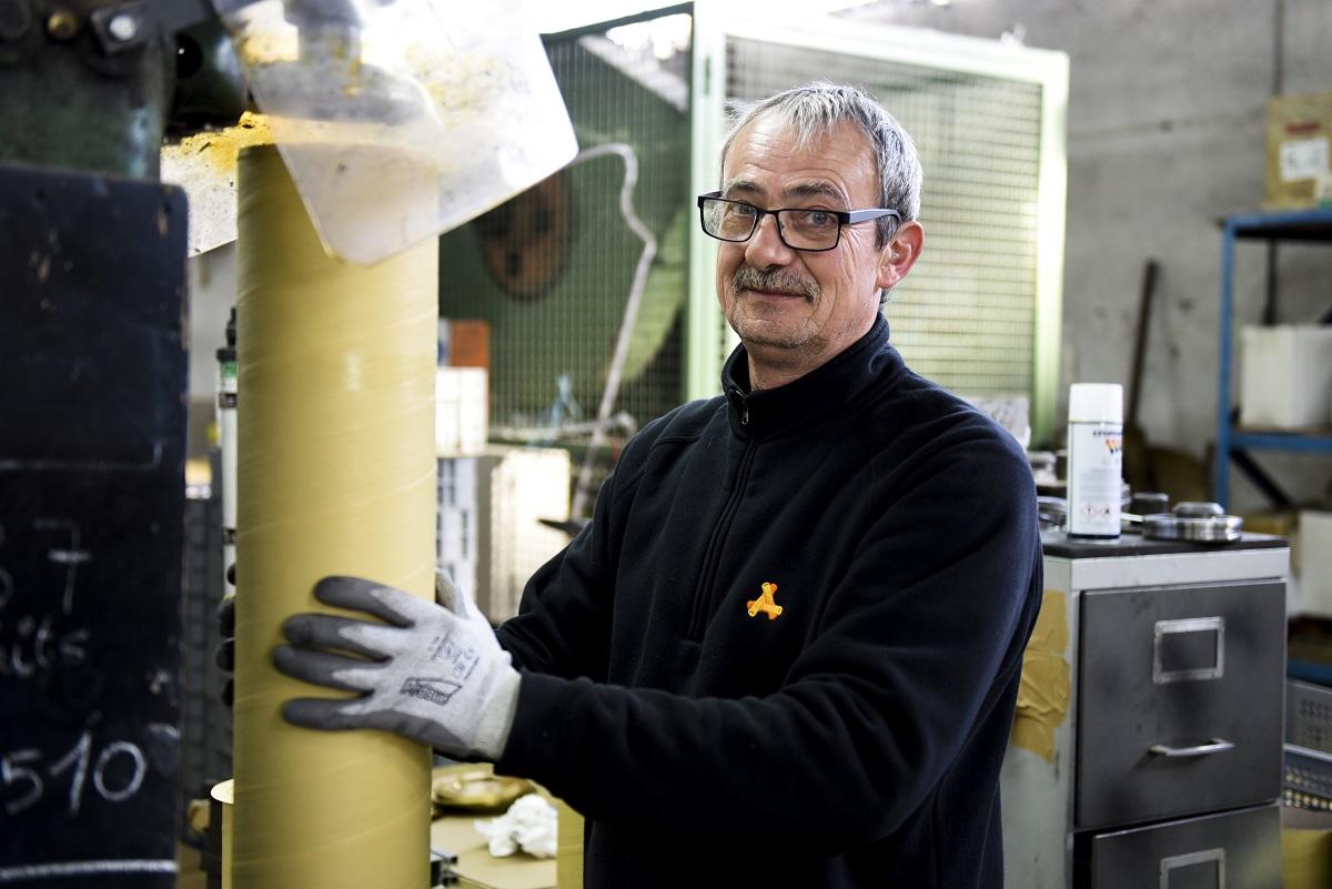 Fabricant tubes carton