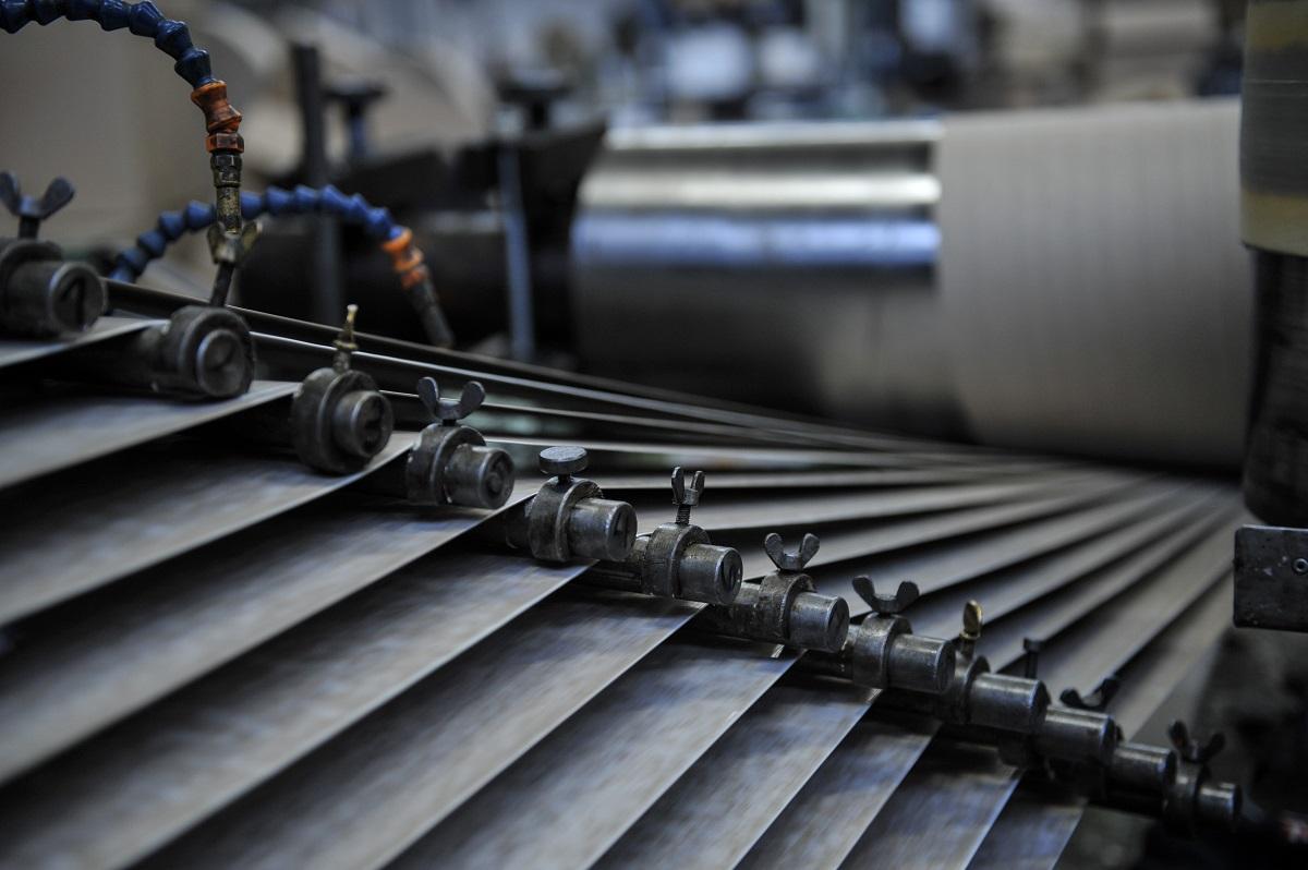 Cardboard tube manufacturing